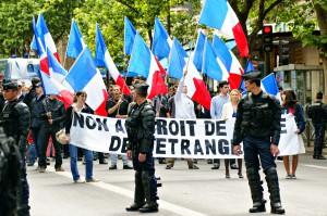 Paris, le 9 juin 2012.Sixtine Jeay portant la banderole de tête, tout le gratin de l'extrême droite la plus radicale était présent ce jour là comme l'évoquait Réflexes dans cet article. http://reflexes.samizdat.net/spip.php?article488