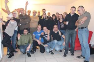 Christine Lanciaux en bonne compagnie. Plusieurs skinheads d'extrême droite, plusieurs militants de l'œuvre Francaise… plus d'info sur la photo ici.